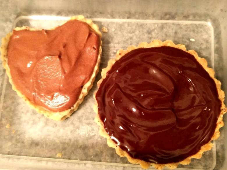 the experimental stage: 2 kings of blue cheese and dark chocolate tarts